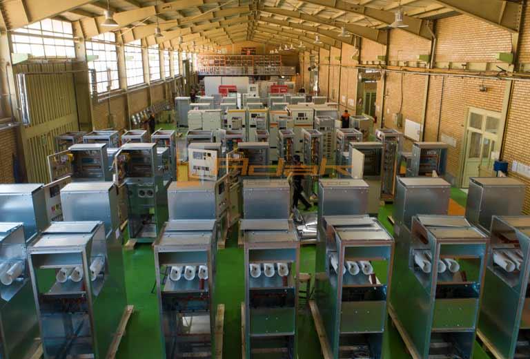 سالن تولید تابلو برق شرکت آداک بهین نیرو