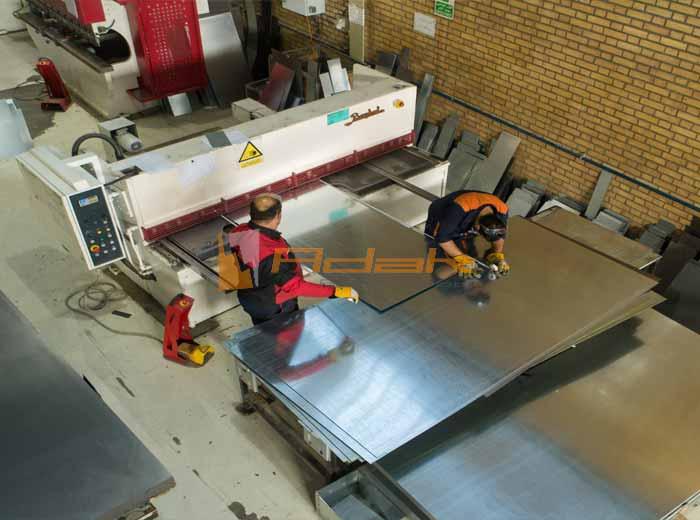 دستگاه ساخت تابلو های برق صنعتی